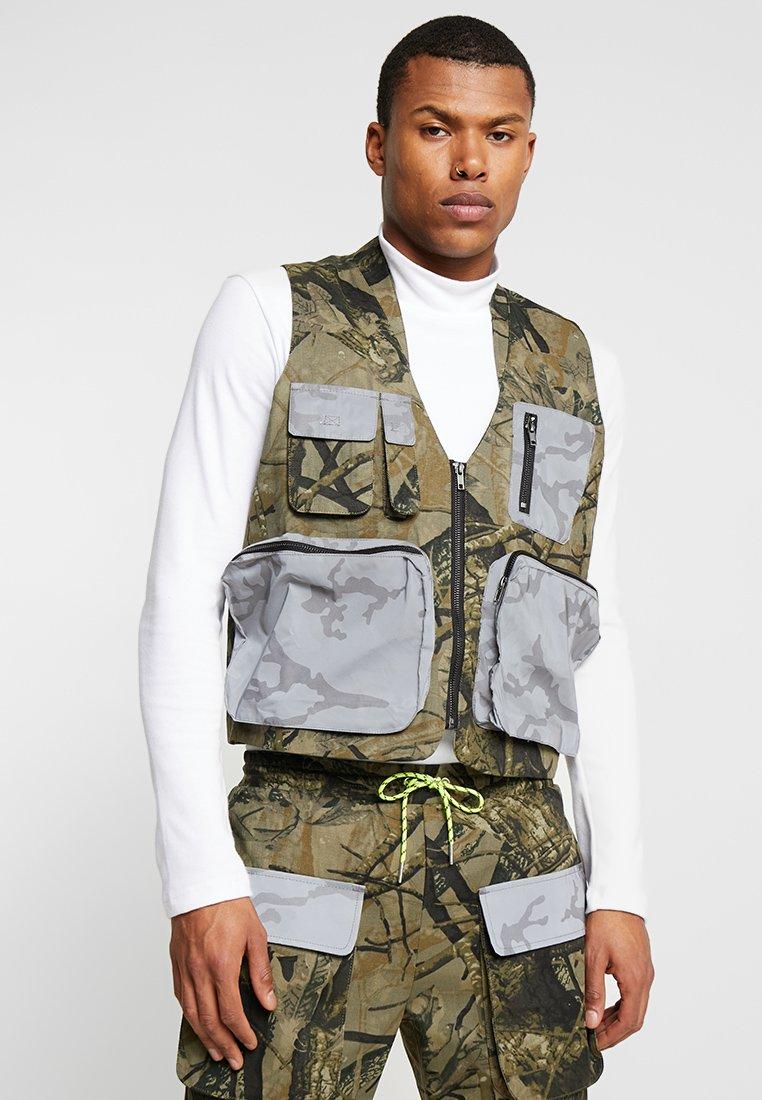 Jaded London - UTILITY CAMO POCKET VEST - Vest - green