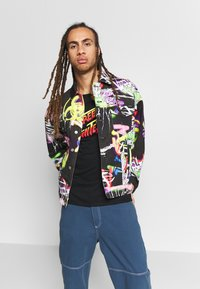 Jaded London - BLACK AIRBRUSH GRAFFITI JACKET - Chaqueta vaquera - black - 0