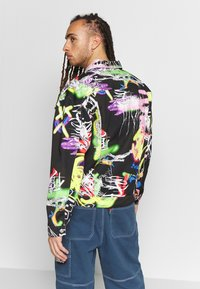 Jaded London - BLACK AIRBRUSH GRAFFITI JACKET - Chaqueta vaquera - black - 2