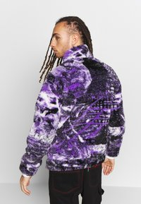 Jaded London - PYSCHEDLIC COLLAGE BORG JACKET - Lehká bunda - purple - 2