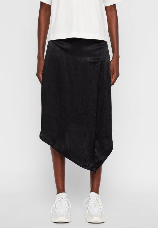 LIZZY - Spódnica trapezowa - black