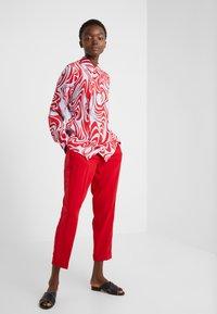 J.LINDEBERG - EDDIE - Button-down blouse - red swirl - 1