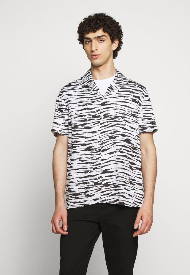 AXEL RESORT SEASONAL PRINT - Skjorta - white