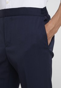 J.LINDEBERG - SASHA GRAD - Pantalón de traje - navy - 5