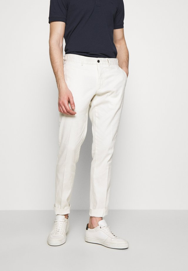 GRANT - Chinos - cloud white