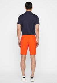 J.LINDEBERG - ELOY - Sports shorts - tomato red - 2