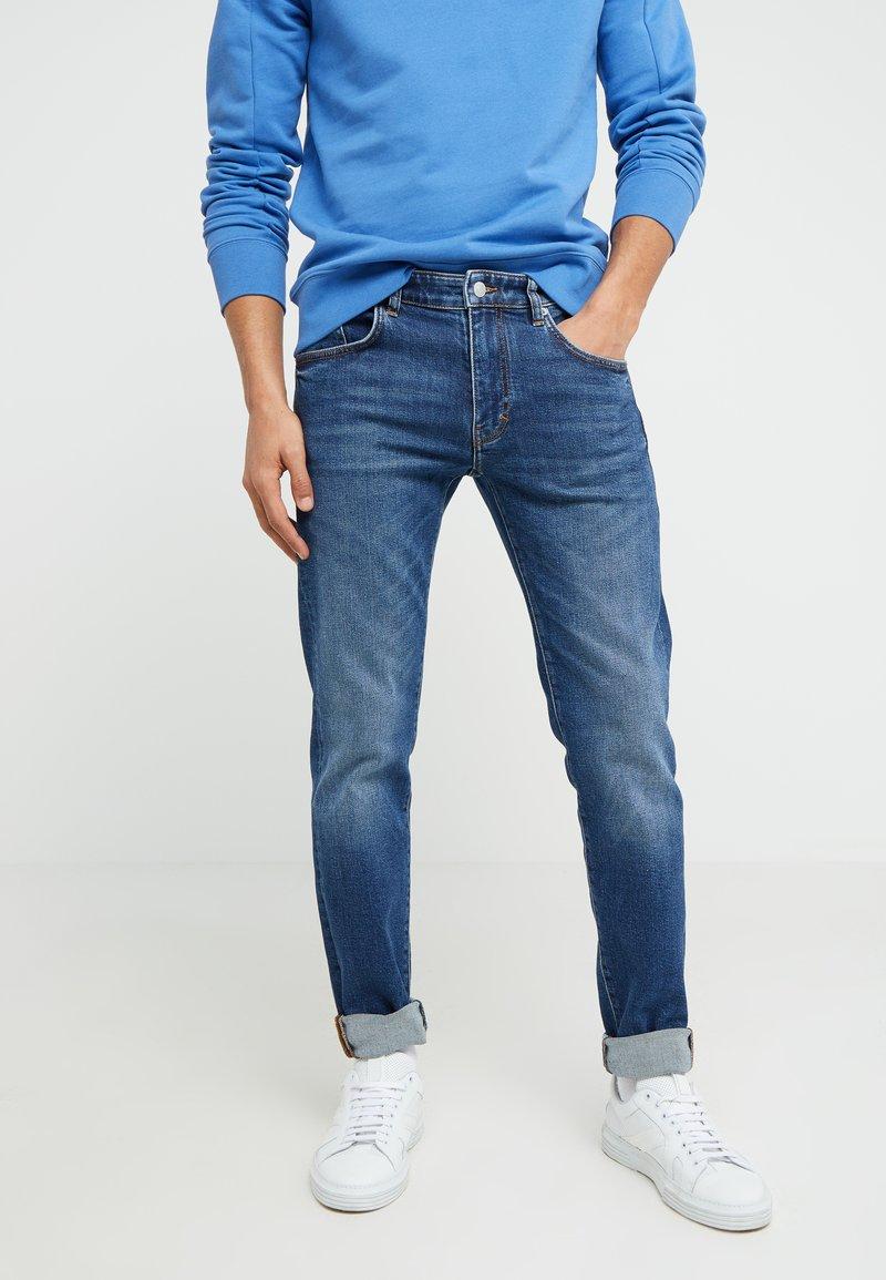 J.LINDEBERG - JAY STRIKE - Slim fit jeans - mid blue