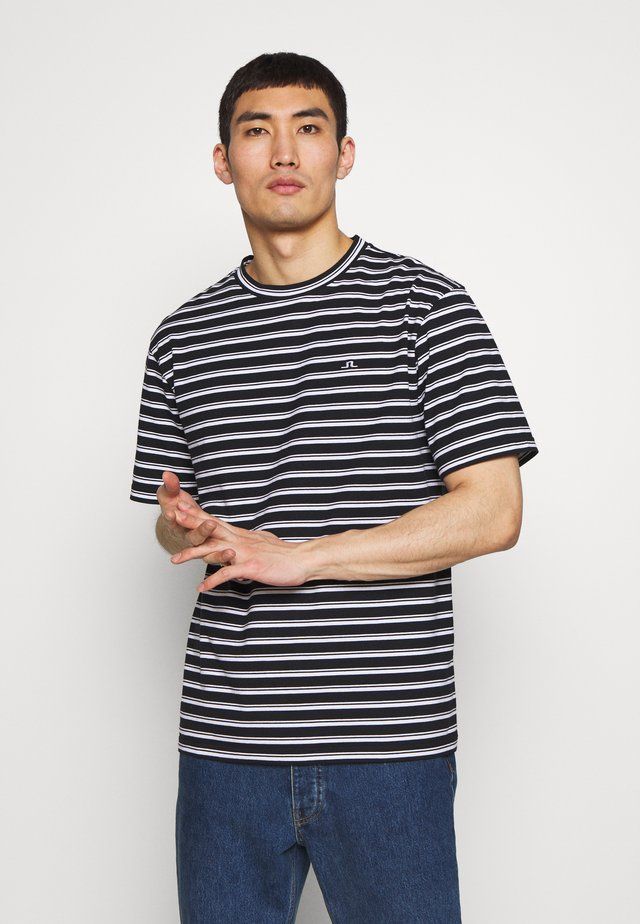 CHARLES - T-shirt z nadrukiem - white