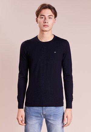 LYLE TRUE MERINO - Stickad tröja - navy