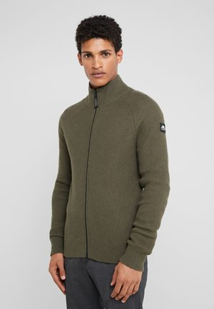 CARLO - Gilet - forest green