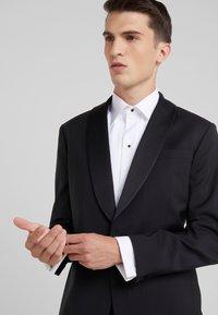 J.LINDEBERG - SAVILE TUX COMFORT - Veste de costume - black - 3