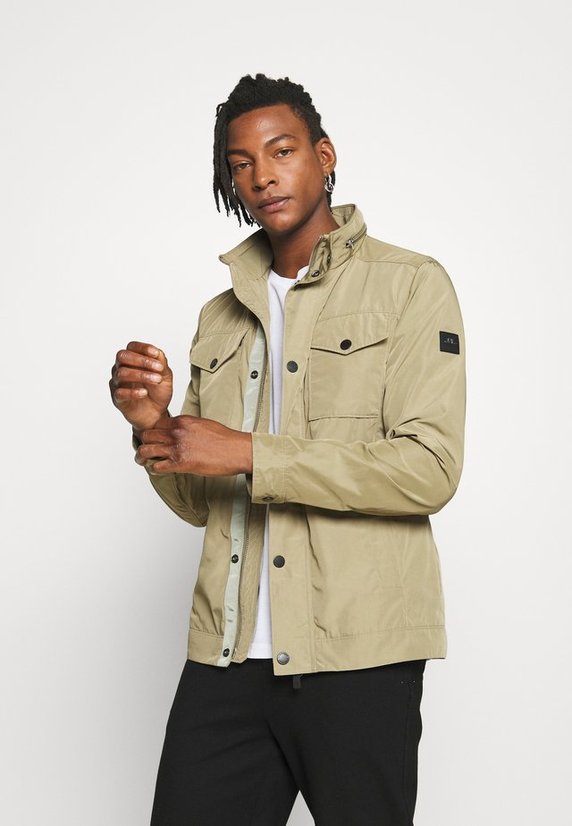 BAILEY POLY - Veste légère - covert green