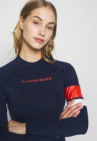 J.LINDEBERG - SHAY LIGHT COMPRESSION - Sportshirt - navy - 4