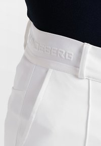 J.LINDEBERG - GIO PANT - Trousers - white - 7