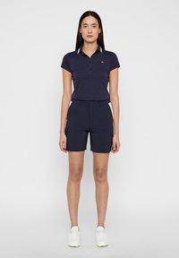 J.LINDEBERG - GWEN - Sports shorts - navy - 1