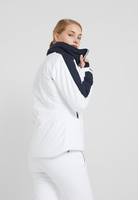 J.LINDEBERG - LOA - Lyžařská bunda - white - 3