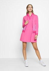 J.LINDEBERG - LIZA LIGHT MID - Treningsjakke - pop pink - 1