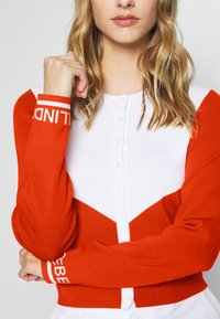 J.LINDEBERG - MELODY - Zip-up hoodie - tomato red/white - 5