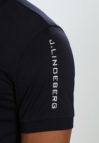 J.LINDEBERG - TOUR TECH SLIM - T-shirt de sport - navy - 4
