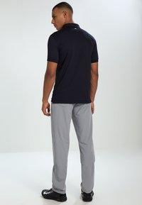 J.LINDEBERG - TOUR TECH SLIM - T-shirt de sport - navy - 2