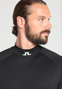 J.LINDEBERG - AELLO SOFT COMPRESSION - Langærmede T-shirts - black - 3