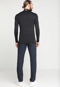J.LINDEBERG - AELLO SOFT COMPRESSION - Langærmede T-shirts - black - 2