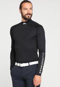 J.LINDEBERG - AELLO SOFT COMPRESSION - Langærmede T-shirts - black - 0