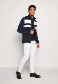 J.LINDEBERG - KEVIN CREW NECK-PIMA COTTON - Sweatshirts - navy - 1