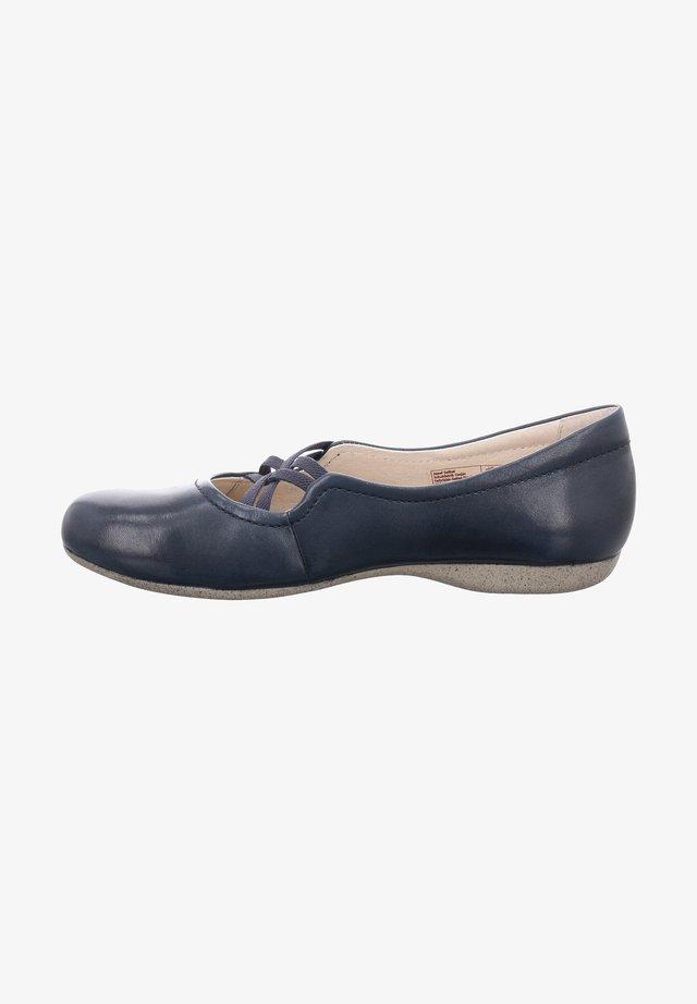Ankle strap ballet pumps - ocean