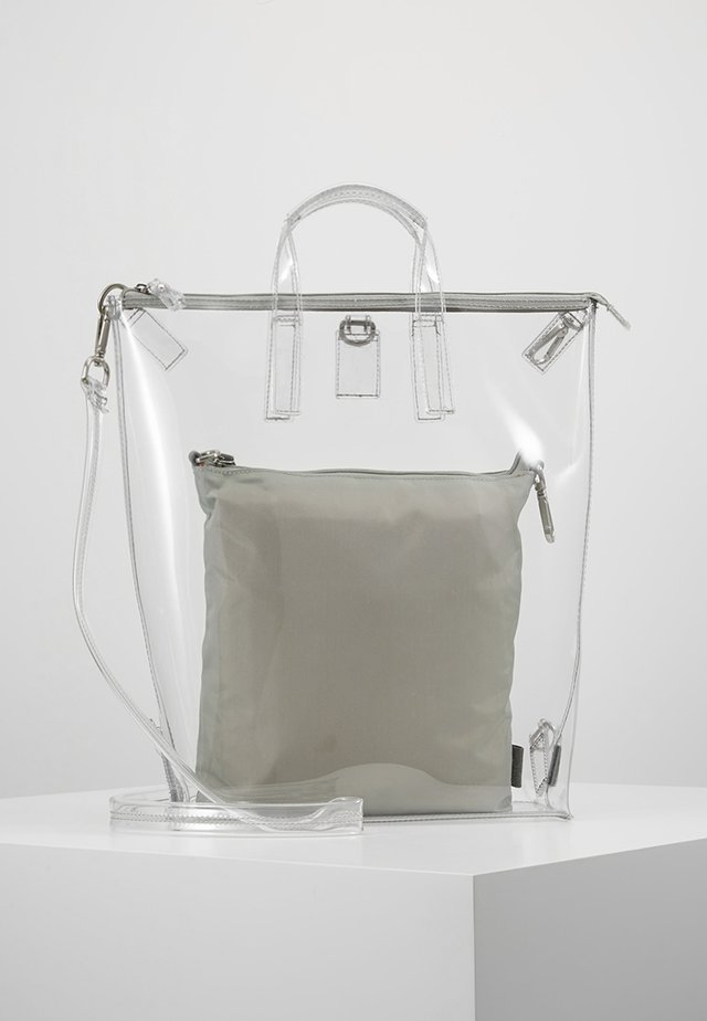 CHANGE BAG 3-IN-1 - Ryggsekk - clear