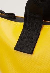 Jost - TOLJA XCHANGE BAG  - Batoh - yellow - 3