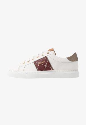 CORALIE - Sneaker low - brown