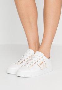 JOOP! - CORTINA LISTA  - Sneaker low - offwhite - 0