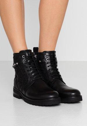 MARIA BOOT - Enkellaarsjes met plateauzool - black