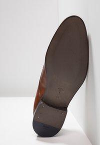 JOOP! - KLEITOS  - Elegantní šněrovací boty - cognac - 4