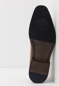 JOOP! - PHILEMON LACE UP - Elegantní šněrovací boty - cognac - 4