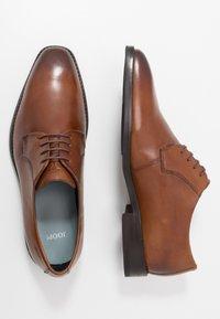 JOOP! - PHILEMON LACE UP - Elegantní šněrovací boty - cognac - 1