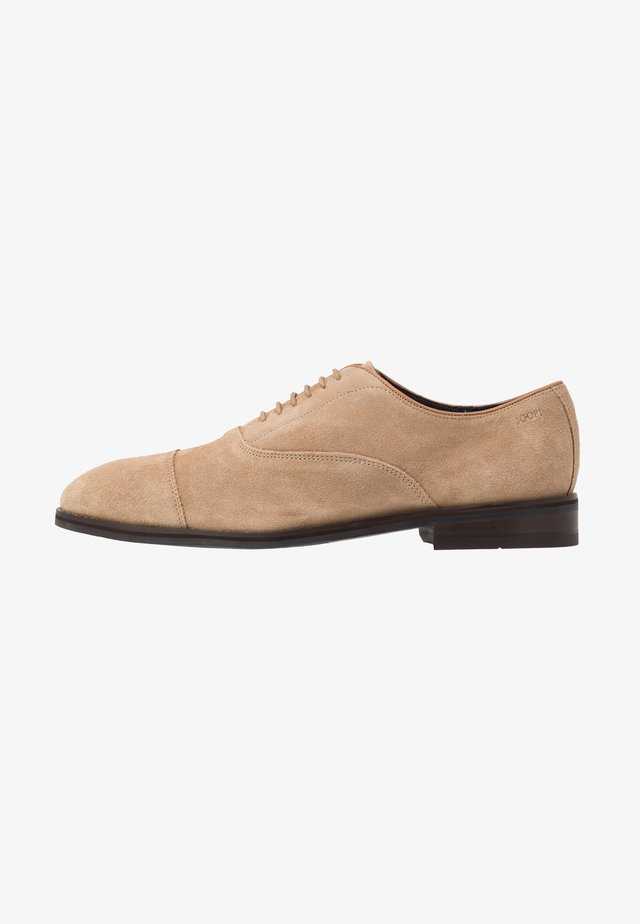 KLEITOS LACE UP - Eleganckie buty - cappuccino