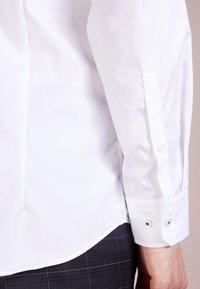JOOP! - PIERCE SLIM FIT - Camicia elegante - white - 3