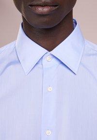 JOOP! - PIERCE SLIM FIT - Formální košile - light blue - 5