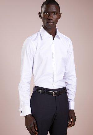 PIERCE SLIM FIT - Camisa elegante - white
