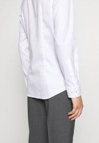 JOOP! - PANKO SLIM FIT - Formální košile - white - 3
