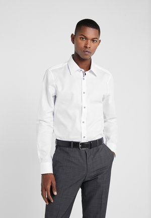 PIERCEK SLIM FIT - Finskjorte - white