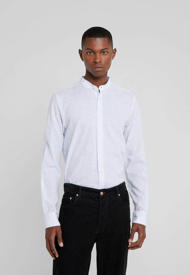 PRYOR - Skjorter - hellblau