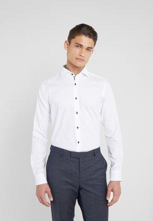 PANKOK SLIM FIT - Zakelijk overhemd - white