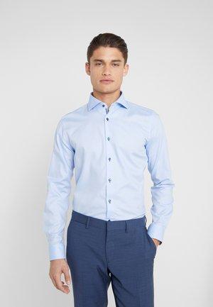 PANKOK SLIM FIT - Koszula biznesowa - light blue