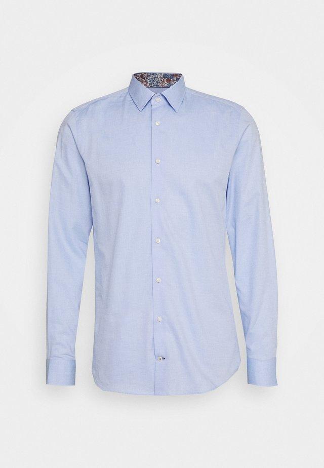 PIERRE - Formal shirt - pastel blue