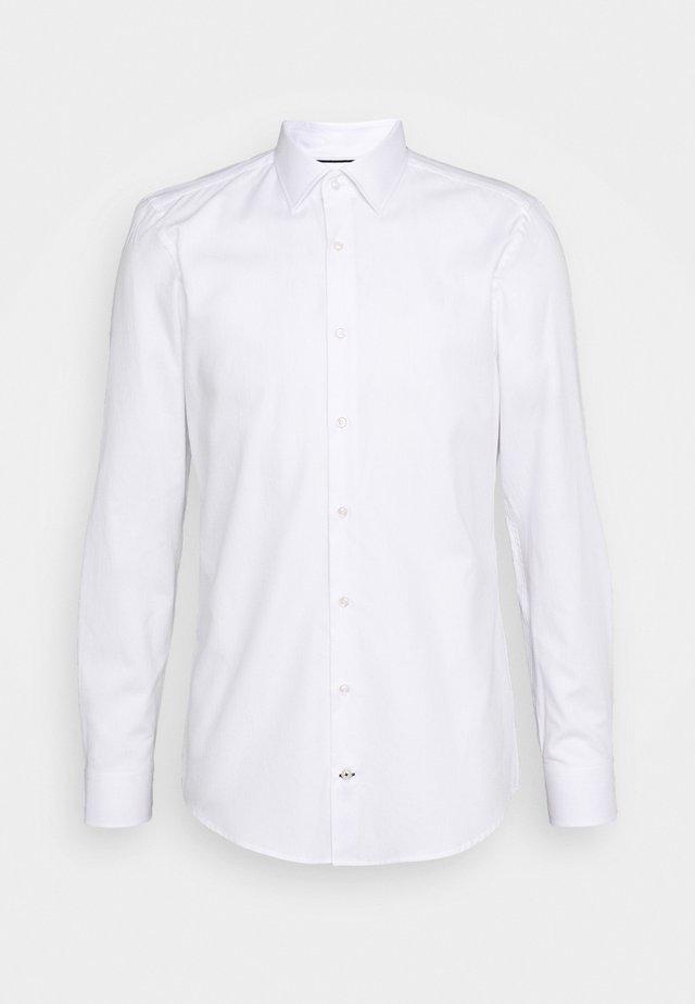 PIERRE - Business skjorter - white
