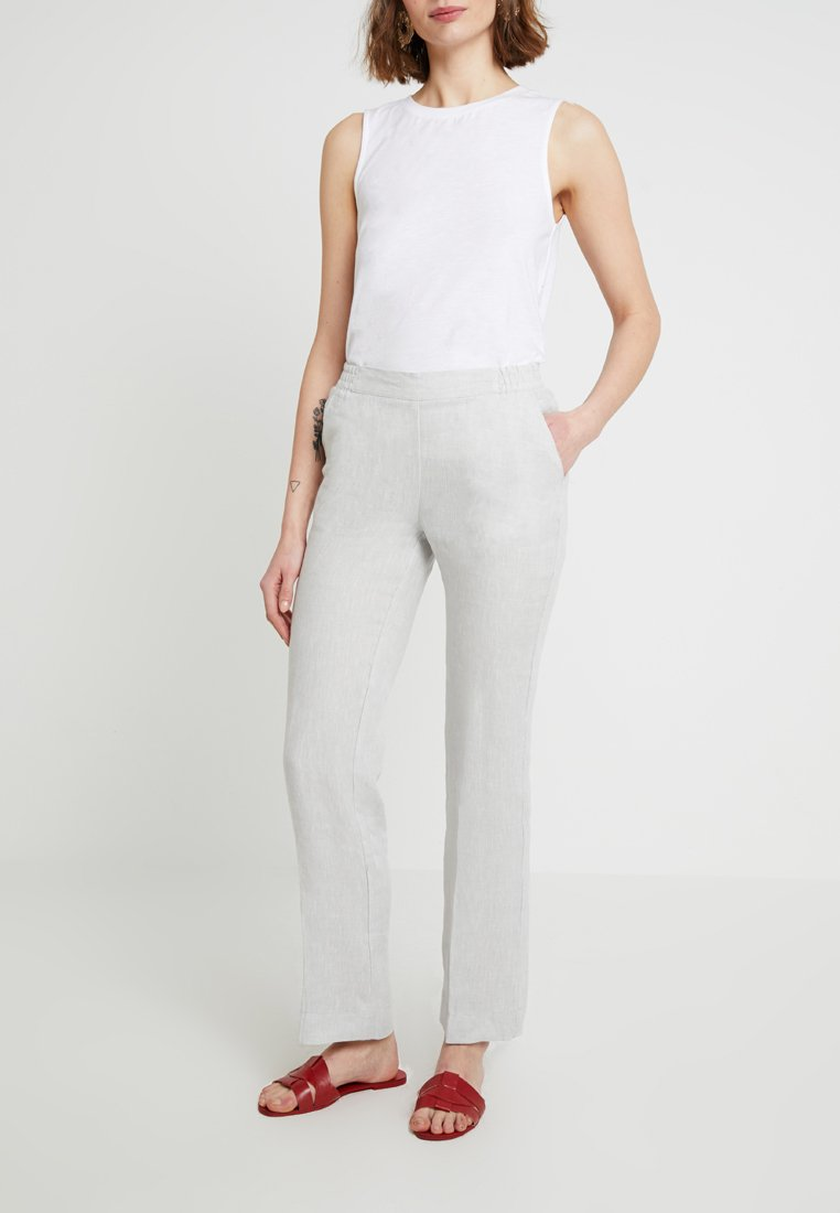 Josephine & Co - CEDRIC TROUSER - Pantalon classique - light grey
