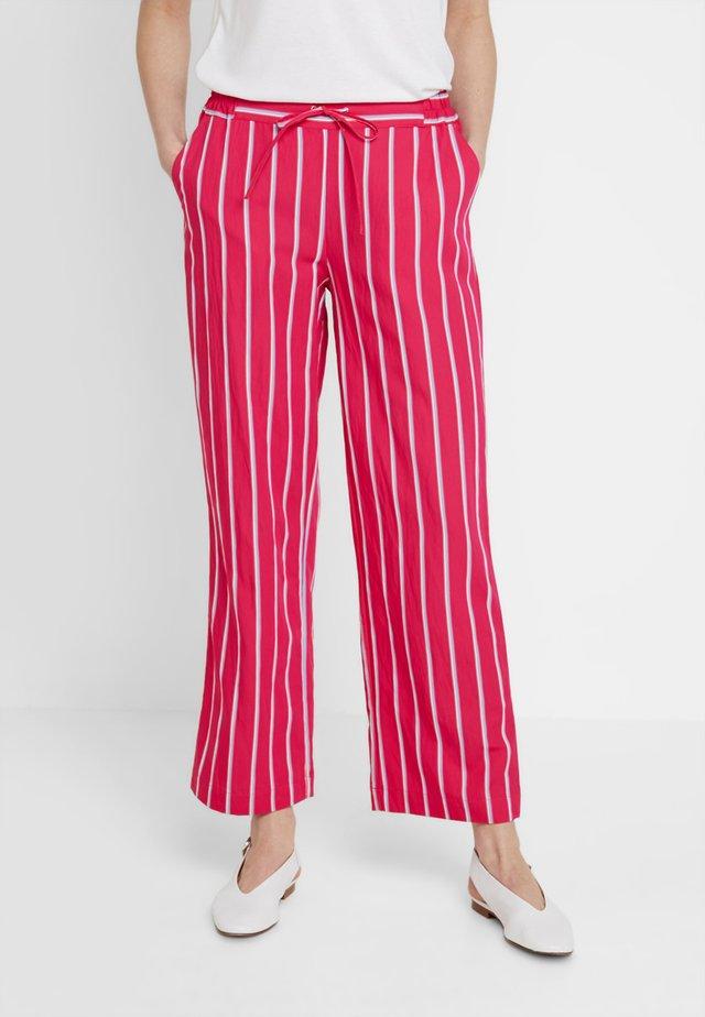 Cerise trouser - Broek - fuchia